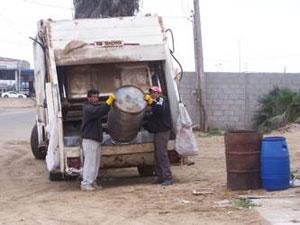 Insuficientes camiones recolectores de basura