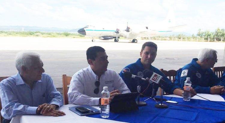 """Monitoreará avión """"Cazahuracanes"""" las costas del Pacífico"""