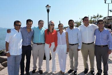 Arribaron diplomáticos  a Loreto