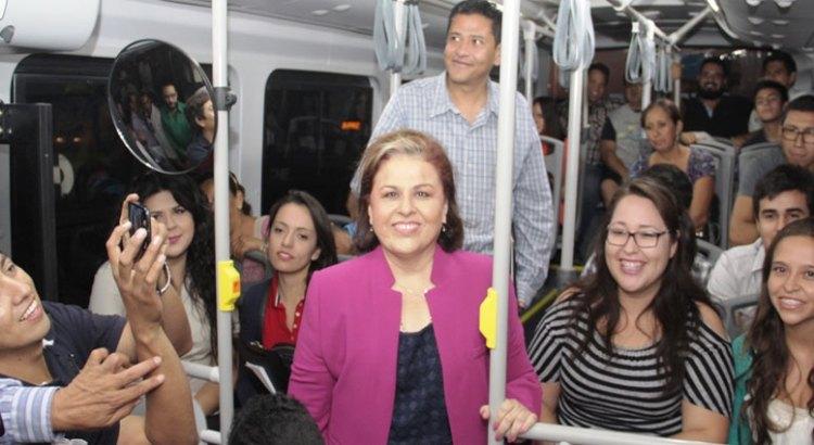 Más unidades para el transporte urbano de La Paz
