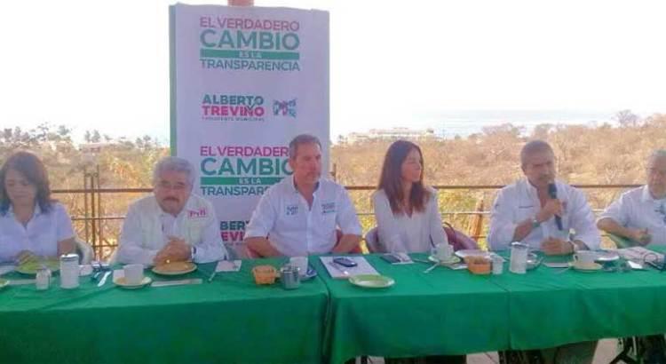 Presenta Treviño su declaración patrimonial