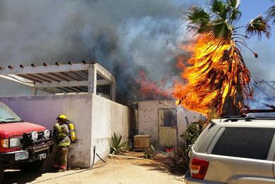 Se incendió palapa en trailer park
