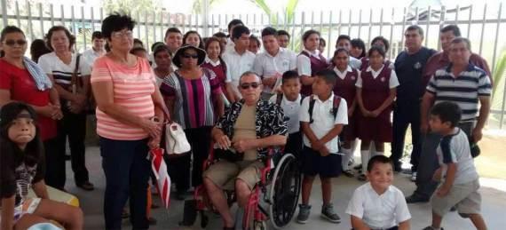 padres de familia y docentes de la Escuela Secundaria número 34.