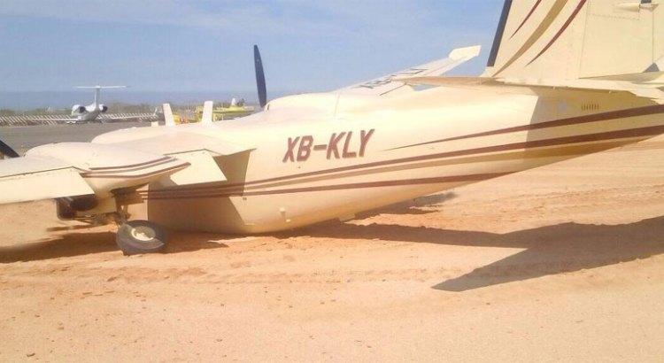 Se salió avioneta de la pista al aterrizar
