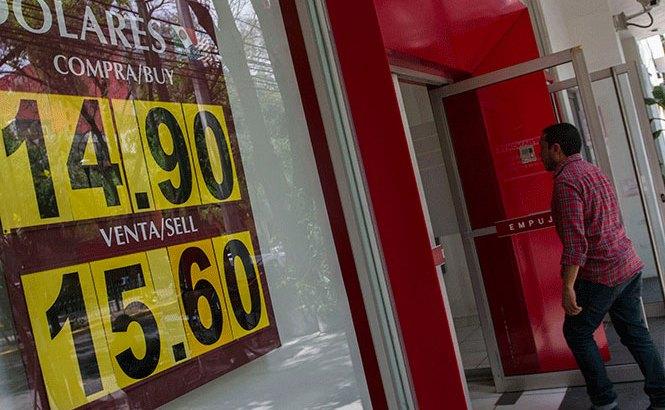 Cierra el dólar en $16.05 pesos