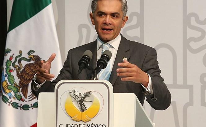 Solicita Mancera la renuncia de todo su gabinete