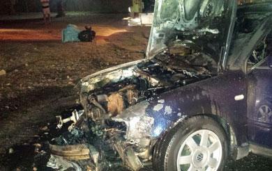 De repente, el vehículo agarró fuego