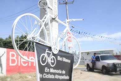 """Colocarán """"Bici Blanca"""" en homenaje a ciclista atropellado"""