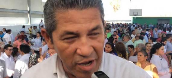 Eduardo Valdez, secretario general del Sindicato de Burócratas Sección La Paz, rechazó que les estuviera dando la espalda a los trabajadores de confianza.