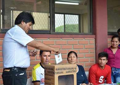 Sondeos dicen 'No' a relección de Evo Morales