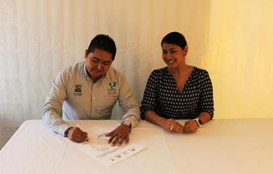 Firman convenio institutos municipal y estatal de la juventud