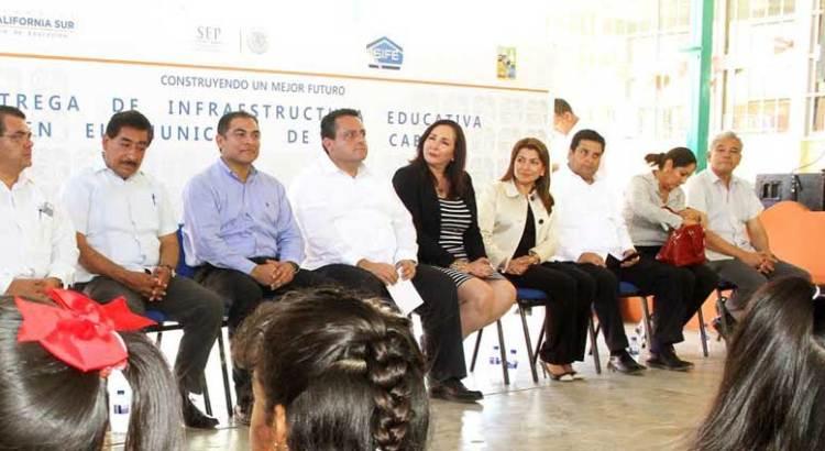 Entrega el Gobernador obras de infraestructura urbana y educativa en Los Cabos