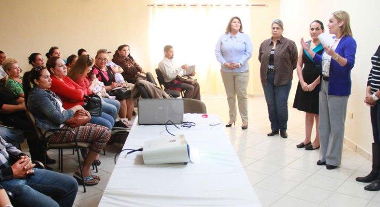 Inaugura Vianey Núñez  cursos para emprendedores