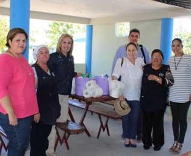 Entregan apoyos para desayunadores de Miraflores y La Ribera
