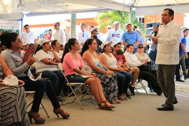 Entregó Alcalde obras la colonia Lomas del Rosarito