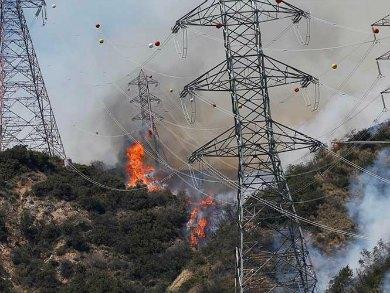 Fuera de control incendio en California