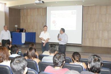 Participan estudiantes de la UACh en un ciclo de conferencias