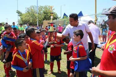 Premian a ganadores de Copa Los Cabos