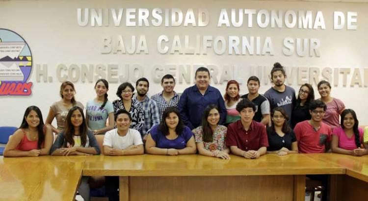 Se reunió Rector Cruz Chávez con estudiantes del programa Delfín