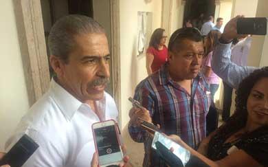 """Señalan a Regidores que """"llegan sin leer"""""""