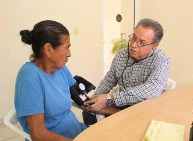 Más de mil personas han recibido atención médica