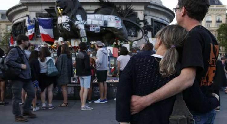 Hija de Covarrubias estaba en Niza