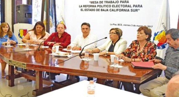 No acudieron diputados del  PAN y PRS a reunión sobre reforma electoral