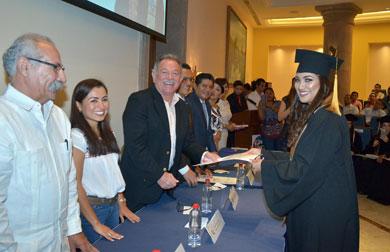 Se graduaron abogados de la UABCS Los Cabos