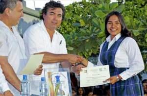 clausura de la escuela secundaria Técnica 21 en San José del Cabo