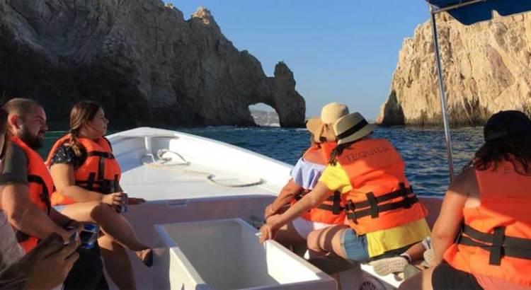 Comienza a llegar el turismo nacional a playas cabeñas