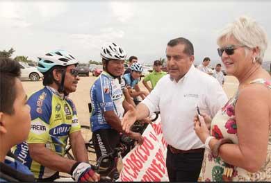 Respalda Gobierno Municipal a grupo de ciclistas BMX