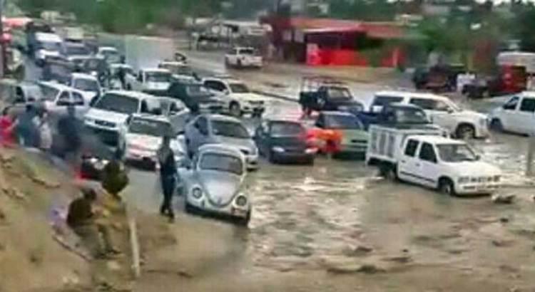 Generan caos en SJC las lluvias de temporada