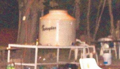 """Se intoxican con 500 litros de """"aguas locas"""""""