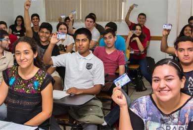 Ofrecen a jóvenes cursos de educación vial