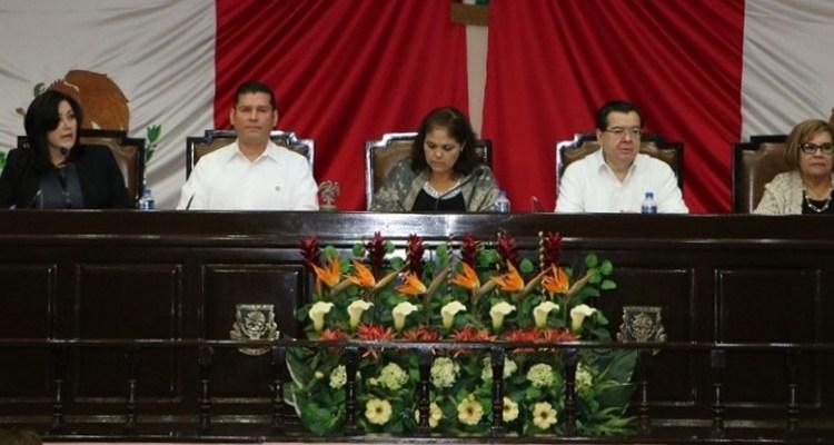 Ante los retos, el estado se consolida libre y soberano: Álvaro de la Peña