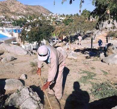 """Dan mantenimiento al """"Cerrito del Timbre"""""""