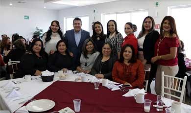 Celebró UABCS el Día de las Trabajadoras Administrativas