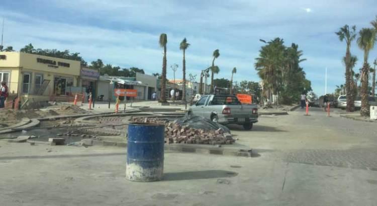 """Tienen """"temblando""""  a comerciantes las obras del Centro Histórico josefino"""