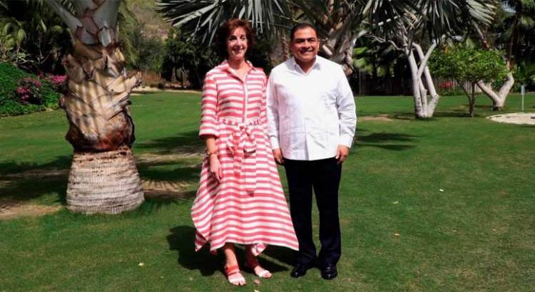 Se reunió Arturo de la Rosa con la embajadora de EU en México