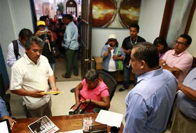 Atiende Gobierno de Los Cabos a antorchistas