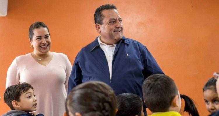 Entrega gobernador infraestructura educativa en La Paz