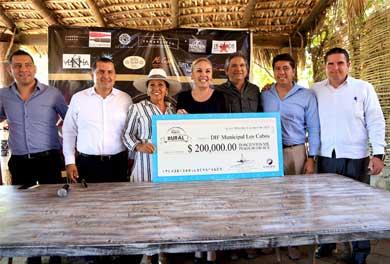 Recibe DIF Los Cabos apoyo económico