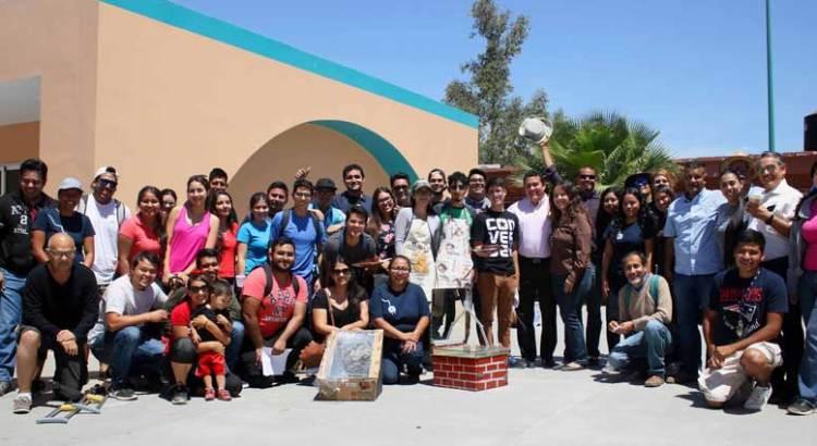 Exhiben alumnos de la UABCS prototipos de cocinas solares