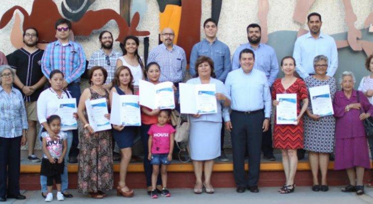 Culminan madres de familia exitosamente capacitación en la UABCS