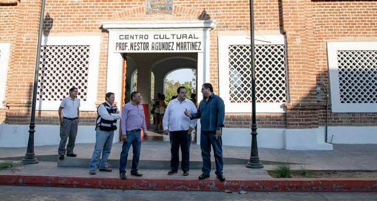 Visita gobernador Centro Cultural Néstor Agúndez en Todos Santos