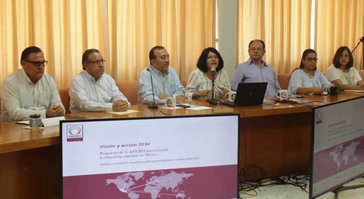 Presentan en la UABCS propuesta de ANUIES