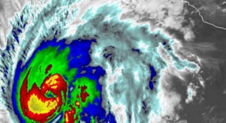 Aletta ya es huracán categoría 2