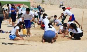 concurso de escultura de arena, donde se contó con la participación de seis escuelas