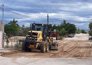 "Rehabilitan caminos destruidos por ""Bud"""