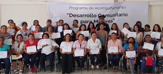 """clausura del programa """"Desarrollo Comunitario para Mujeres"""" donde participaron más de 60 mujeres de todo el municipio."""